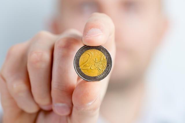 Ahorro en las comunidades de vecinos moneda euros